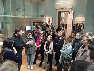 Studierende in den neuen Galerien des British Museums © HTW Berlin / Susan Kamel