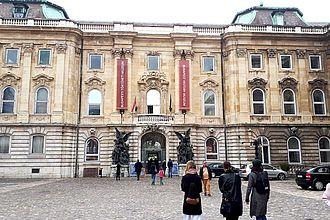 Studierende beim gemeinsamen Besuch des Historischen Museums. © HTW Berlin / Tobias Nettke