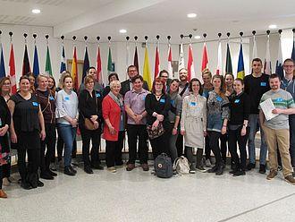 Gruppenbild im Foyer des Europäischen Parlaments © HTW Berlin / Oliver Rump