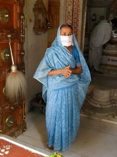 Jaina im Tempel