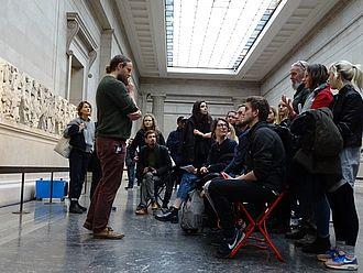 Gespräch im British Museum. © HTW Berlin / Timm Miersch