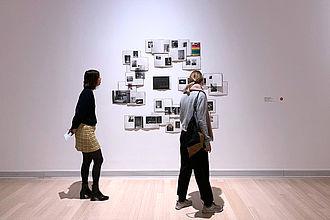 Studierende beim gemeinsamen Besuch des Ludwig Múzeums für zeitgenössische Kunst. © HTW Berlin / Dan Chen